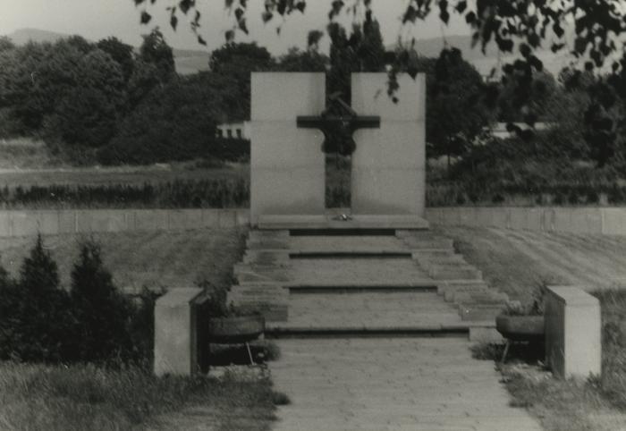 [Photograph of Soviet war memorial in Terezín, Czech Republic]