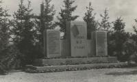 [Photograph of monument to Cap Arcona and Thielbek victims]