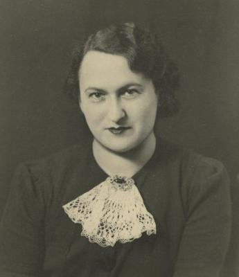 [Photograph of Gisele Warren, Paris]