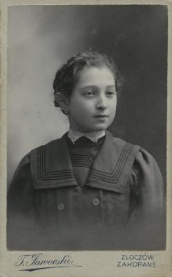 [Photograph of unidentified young girl]
