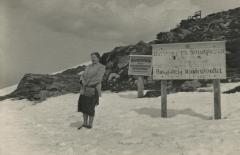[Photograph of Rosa Baltuch at Glungezerhütte]