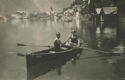 [Photograph of Leo and Julia Schmucker in rowboat in Hallstatt]