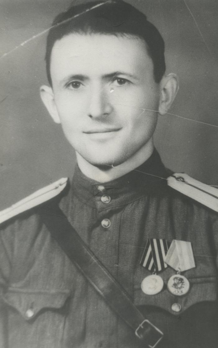 [Photograph of Avramke Wilkomirski in army uniform]