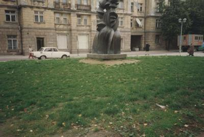 [Photograph of sculpture in Vilnius]