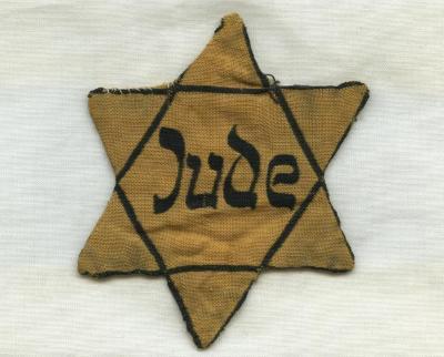 Star of David badge belonging to Toni Neumann