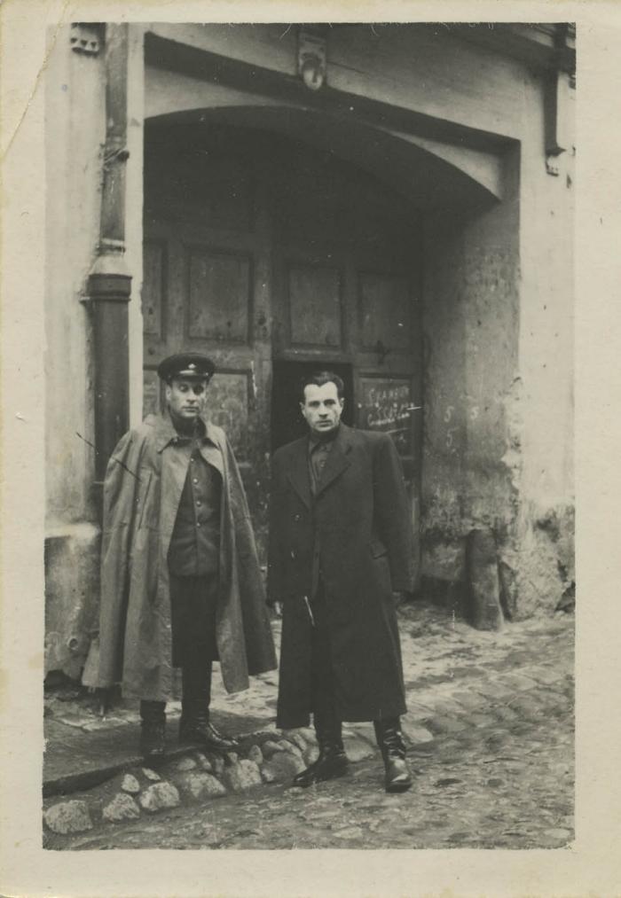 [Photograph of Abrasha Kaplan and Leibke Koriski in Vilna Ghetto]