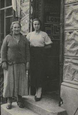 Aunt Leah and Nadia
