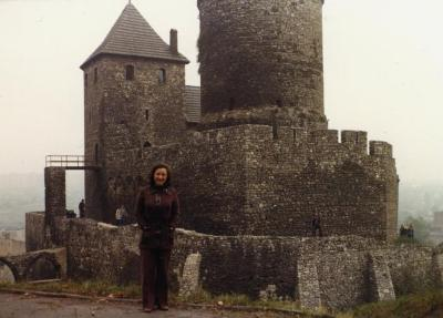 [Mrs. Feldman in front of the castle where she played as a child]