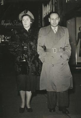 [Full length portrait of Gerda and Hans Kraus]