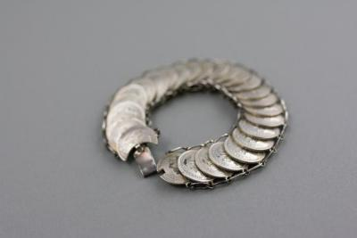 Resistance bracelet