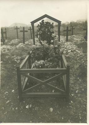 [Alfred Meyer's gravesite]