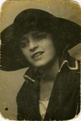 Arthur Hollander's paternal aunt wearing a hat