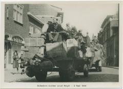 Duitschers vluchten vanuite België