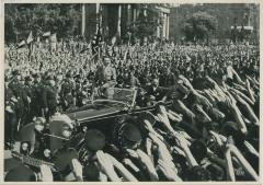 Am Tag der nationalen Arbeit 1934