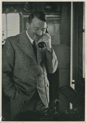 Am Morgen des 15 Januar 1935: Der Führer dankt dem Gauleiter Burckel ...