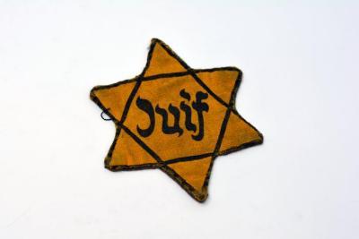Star of David badge belonging to Jannushka Elisheva Jakoubovitch