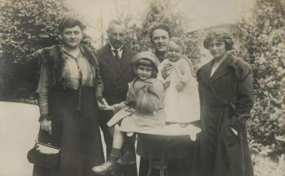 [Photograph of Max and Martha Bick and unidentified family members]